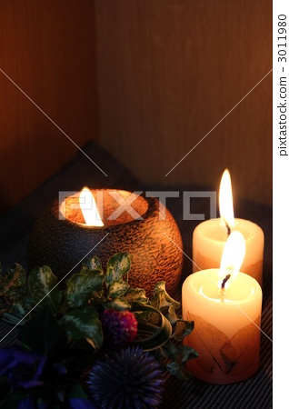 Aroma candle and bouquet 3011980