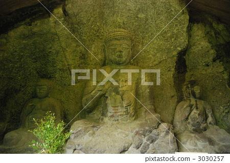 usuki stone buddhas, buddhcarved in stone, stone buddha 3030257