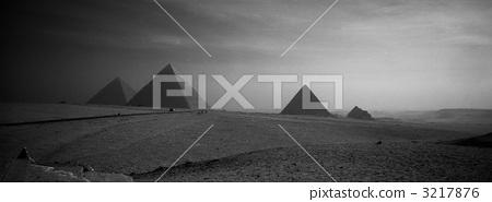 The three big pyramids of Giza 3217876