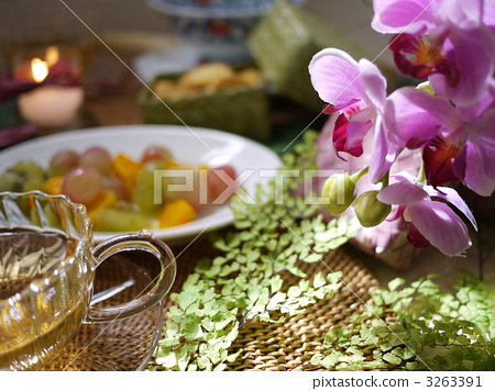 Asian table setting 3263391