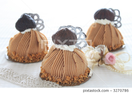 Cake Suites Mont Blanc 3270786