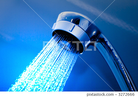 Shower head that is hot water 3272666