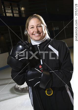 Female hockey coach. 3352728