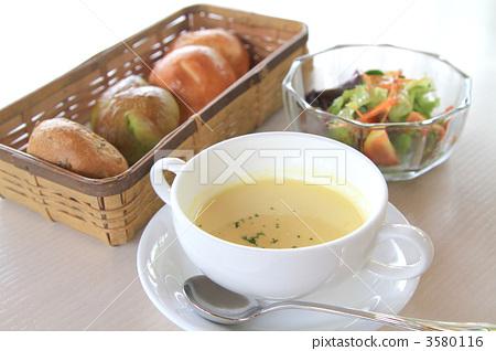 Breakfast (bread, soup, salad) 3580116
