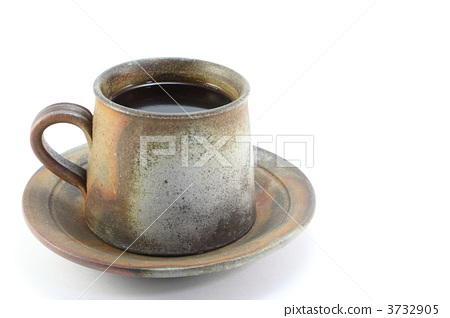 Coffee cup and saucer 3732905