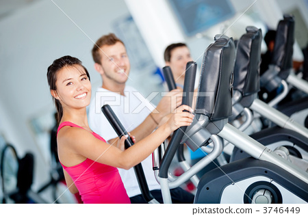 People at the gym 3746449