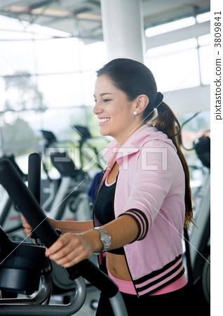 Beautiful gym woman 3809841