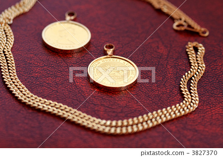 Gold accessories 3827370