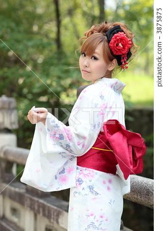 Young women · Yukata 3875875