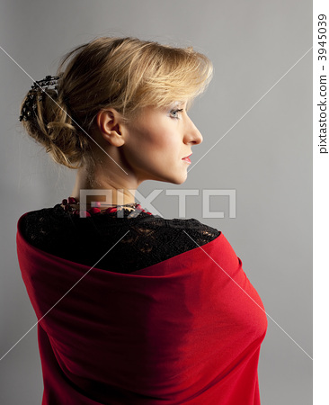 Beauty woman dance flamenco in black and red 3945039