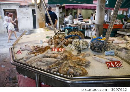Venetian fish market 3997612