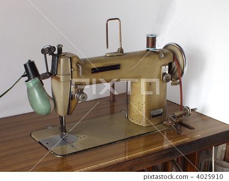 Showa era sewing machine 4025910