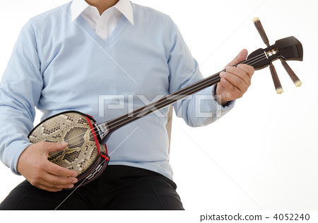 Senior men playing the three lines 4052240