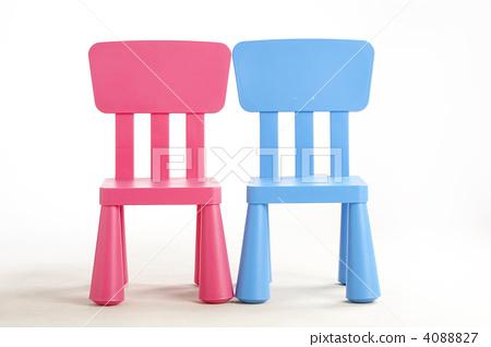 빨간색과 파란색 의자 4088827
