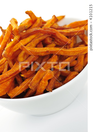 small pieces or strips of vegetables, japanese yam, potato 4101215