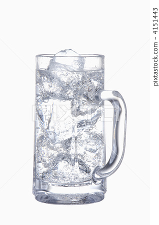 Soda split of distilled spirit 4151443
