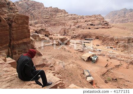 The way to Petra Eddil 4177131