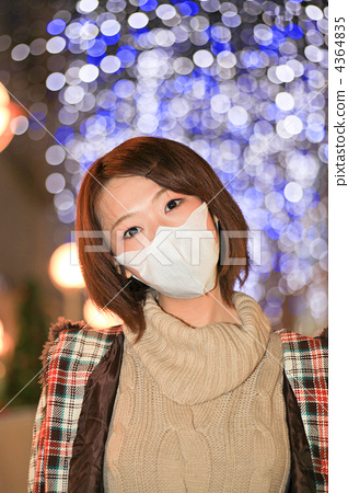 Right · romance / pale white bead / mask / cold prevention / hay fever / young lady 4364835