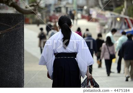 Shrine maiden of a shrine 4475184
