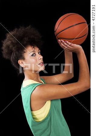 Woman with basketball 4727191