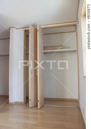 closet 4806873
