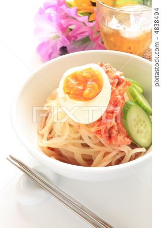 Korean food cold noodles 4838494