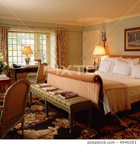 Comfortable room 4946291