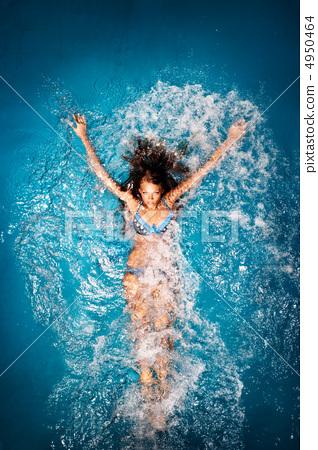 Bathing in blue. 4950464