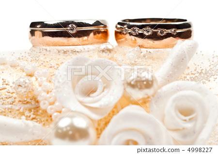 Wedding rings 4998227