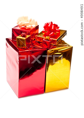 Yellow and red presents 4998491
