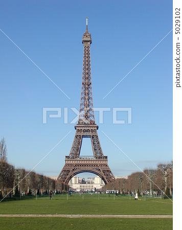 Eiffel Tower 5029102