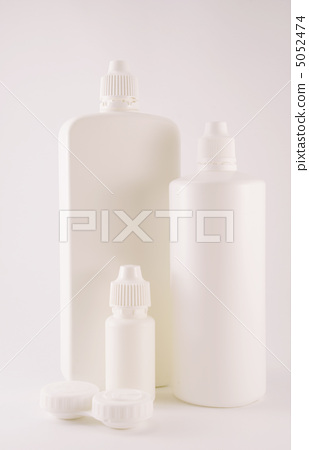 containers to care for lenses 5052474