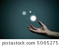 สัมผัสลูกบอลแห่งแสง 5065275