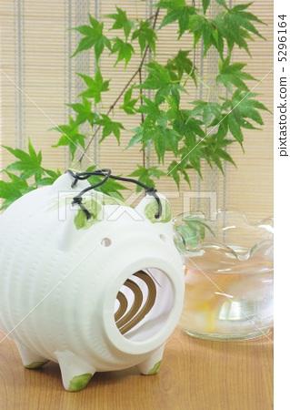 Pig mosquito repellent incense 5296164