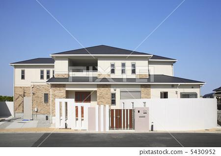 A house 5430952