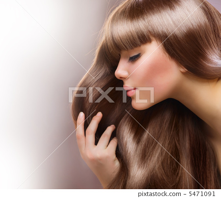 Stock Photo: Fashion Blond Girl. Beautiful Makeup and Healthy Hair