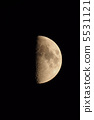 月亮半月在北緯42度 5531121