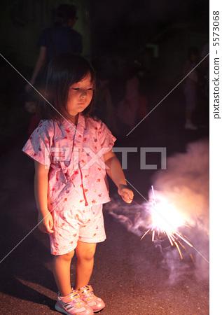 Fireworking kids 5573068