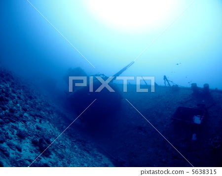 Sediment ship Emmons lying in the bottom of the water 5638315
