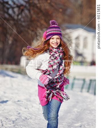 Girl Running in winter 6015831