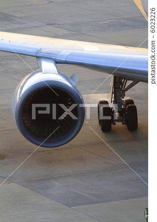 비행기 엔진 6023226