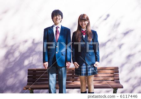 High school student couple 6117446