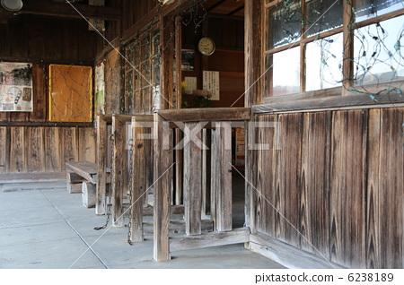 Kami-meume station ticket gate 6238189