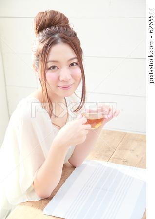 茶時間女性 6265511
