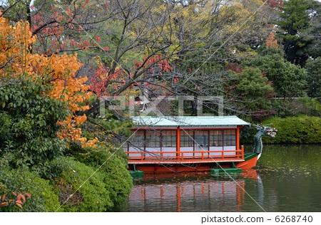 在溫森花園池塘和蜻蜓船 6268740
