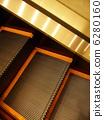 escalator 6280160