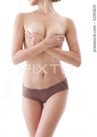 벗은 여자 손 브라 흰색 배경 잘록한 바디 6290820