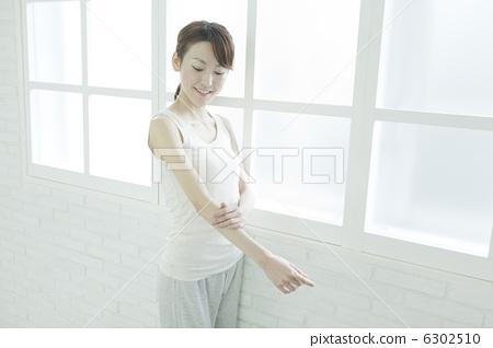 Female fitness · beauty 6302510