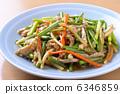 Braised garlic and stir-fried pork 6346859