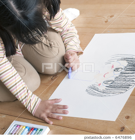 畫在圖畫紙的女孩一張圖片 6476896